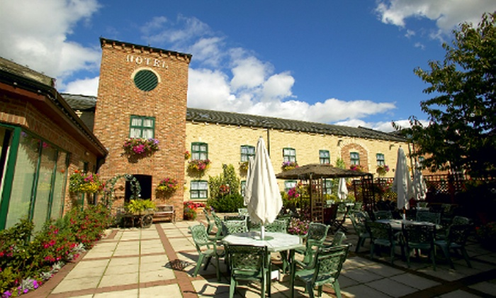 Cornmill Lodge Hotel & Restaurant - Accommodation - Leeds: Leeds: 1 or 2 Nights For Two With Breakfast and Wine from £39 at The Corn Mill Lodge Hotel (Up to 61% Off)