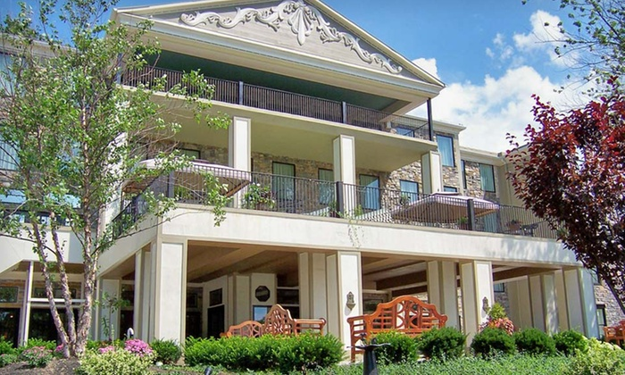 Barton Hill Hotel & Spa - Greater Niagara Falls, NY: One-Night Stay with Dining or Spa Credit and Casino Credit at Barton Hill Hotel & Spa in Lewiston, NY