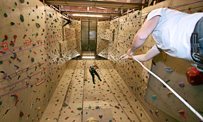 The Crux Climbing & Bouldering - Northeast Calgary: $40 for One Introductory Climbing Lesson and a One-Month Pass at The Crux Climbing & Bouldering ($111.43 Value)
