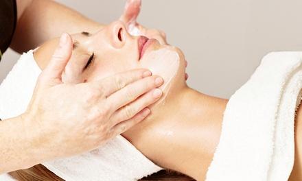 Gesichtsbehandlung und optional medizinische Fußpflege bei cosmetic sphere (bis zu 36% sparen*)