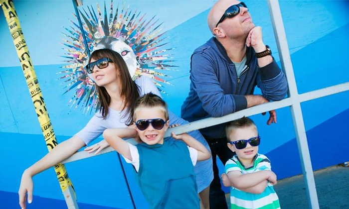 """Townsley Portraits - Multiple Locations: $25 for Photo-Shoot Package with Online HD Slideshow and 8""""x10"""" Print from Townsley Portraits ($259 Value)"""