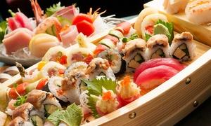 Ebi Sushi: Barca da 60 pezzi di sushi e sashimi con aperitivo e dolce della casa per 2 o 4 persone da Ebi Sushi (sconto fino a 76%)