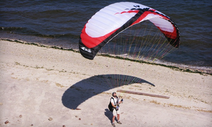 GMI Paragliding School - Rocky Point: $149 for Paragliding Introductory Course from GMI Paragliding School in Rocky Point ($300 Value)