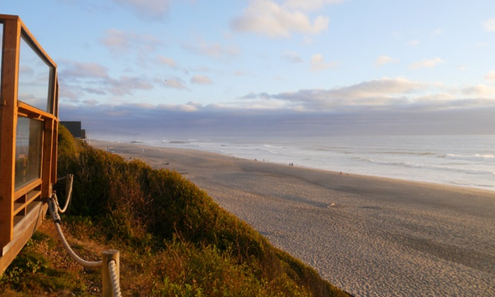 null - Portland: Stay at WestShore OceanFront Suites in Lincoln City, OR