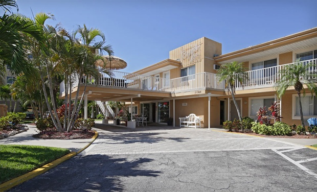 Bayside Inn & Marina - Treasure Island, FL: Stay at Bayside Inn & Marina in Treasure Island, FL, with Dates into December