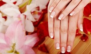 Beauty Studio Hollywood: Pflegende Maniküre, optional mit Nagellack, im Beauty Studio Hollywood ab 13,90 € (bis zu 52% sparen*)