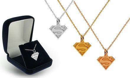 Um ou dois colares e pendentes Super-Homem disponíveis em três cores desde 14,90€