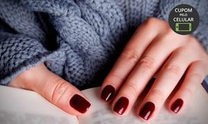 Padma Podologia e Estética: Aplicação de unhas em gel ou em fibra (opção com manicure) na Padma Podologia e Estética - Centro