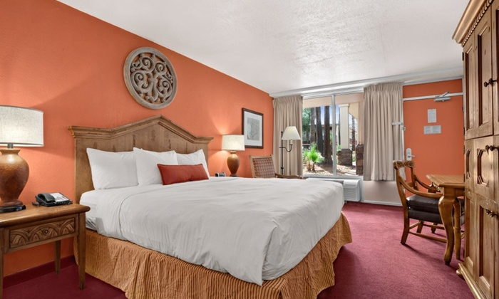 Days Hotel Scottsdale - Scottsdale, AZ: $99 for 1-Night Stay with Comedy Show Tickets and Dining Credit at Days Hotel Scottsdale ($164 Value)