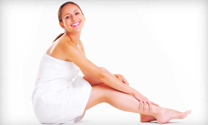 Suntan Station - Knoxville: $215 for a Bridal-Party Spray-Tanning Package for Six with Mini Mani-Pedis and Goody Bags at Suntan Station ($552 Value)