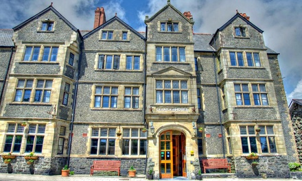 Gwynedd: 13 Nights with Breakfast for Two, 3Course Dinner and Wine at George IV Hotel