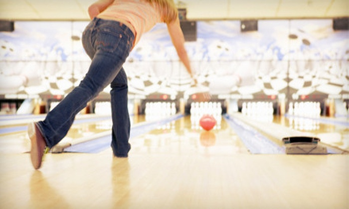 Galaxie Bowling - District d'Aylmer: Two Hours of Bowling for 6 or 12 People with Shoe Rentals and Popcorn at Galaxie Bowling in Aylmer (Up to 70% Off)