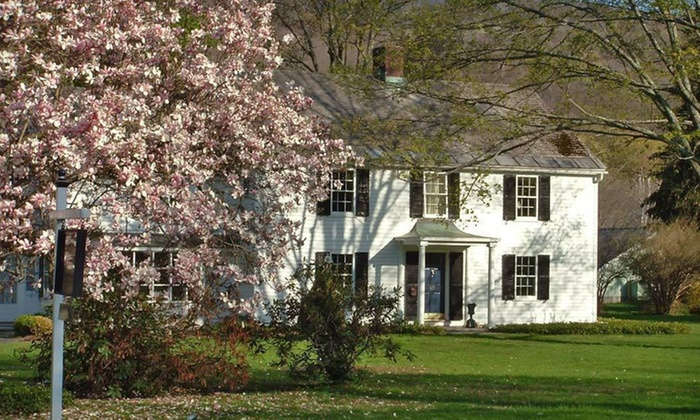 Starbuck Inn Bed and Breakfast - Kent: One- or Two-Night Stay at Starbuck Inn Bed and Breakfast in Kent, CT