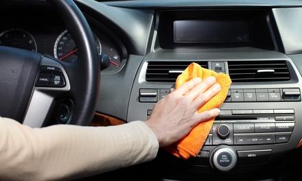 Fahrzeuginnenreinigung komplett, optional mit Frontscheibenversiegelung bei Autoglas Express 95 ab 44,90 €