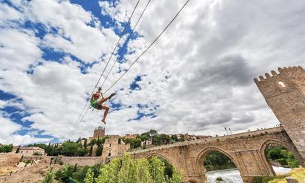 Salto en tirolina sobre el río Tajo con foto de recuerdo para 2 o 4 personas desde 19,99 € en Fly Toledo