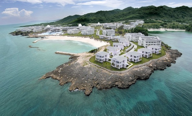 TripAlertz wants you to check out ✈ Grand Palladium Jamaica Resort & Spa Stay w/Air. Price per Person Based on Double Occupancy (Buy 1 Groupon/Adult). ✈ All-Inclusive Jamaica Stay with Air from Jetset Vacations  - All-Inclusive Jamaica Vacation