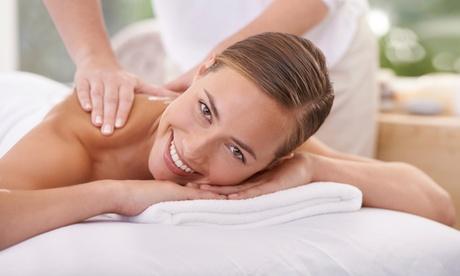 1 masaje con piedras calientes de 40 o 60 minutos desde 19 € en P. Azul & Vía Sana