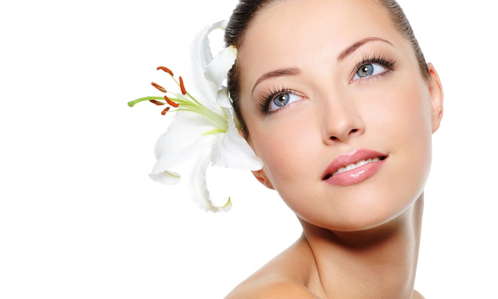 Alzugaray Center - Fountainbleau: $249 for a 1 mL Injection of Restylane at Alzugaray Center ($500 Value)