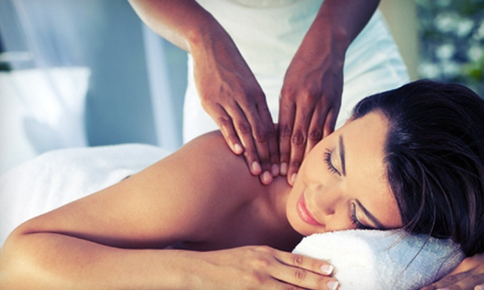 Hollywood Health Clinic - Chiromassage Hollywood: $39 for 60-Minute Therapeutic Massage at Hollywood Health Clinic ($80 Value)