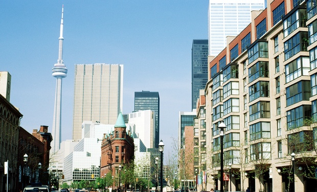 Convenient Hotel Near Downtown Toronto