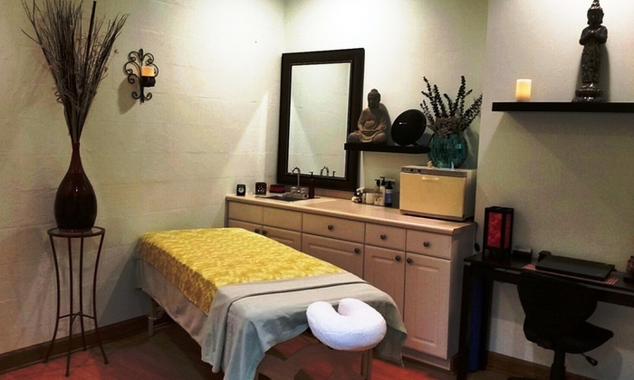 The Art Of Massage by Bonnie - Ala Moana - Kakaako: Up to 49% Off 90-Minute Massage Treatments at The Art Of Massage by Bonnie