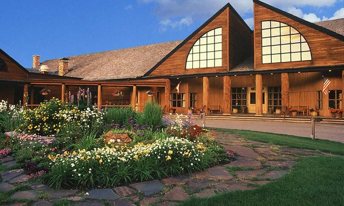 Grouse Mountain Lodge - Whitefish, MT: 1- or 3-Night Stay for Two in a Standard Room at Grouse Mountain Lodge in Whitefish, MT. Combine Up to 12 Nights.