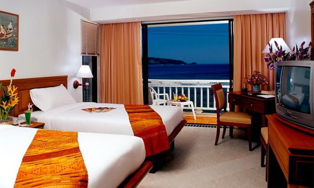 Phuket: Beach Resort Stay+Flights 1