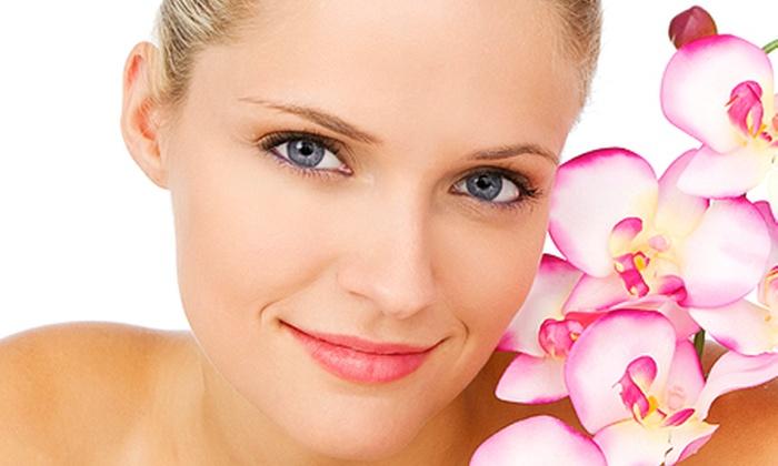 FOLLIE DI VENERE - Le Follie di Venere: 3 o 5 pulizie del viso da un'ora con massaggio da 24 € invece di 180