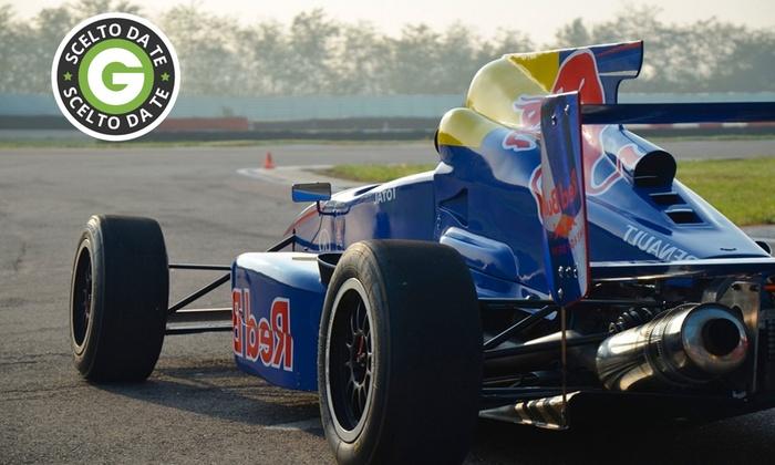 Mgm Driving Emotions - Più sedi: Giornata da pilota su monoposto Formula 2 da 69 €. Valido in 5 circuiti