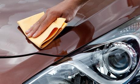 Lavado a mano de interior y exterior del vehículo por 14,90 € y con limpieza de tapicería por 39,90 € Oferta en Groupon