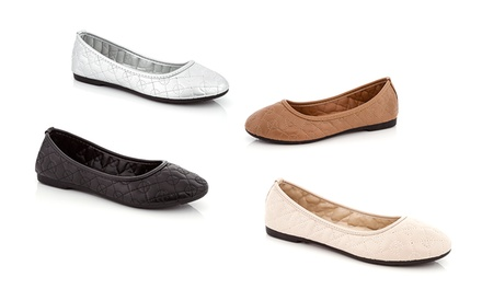 Rasolli Women's Flat Quilted Shoes