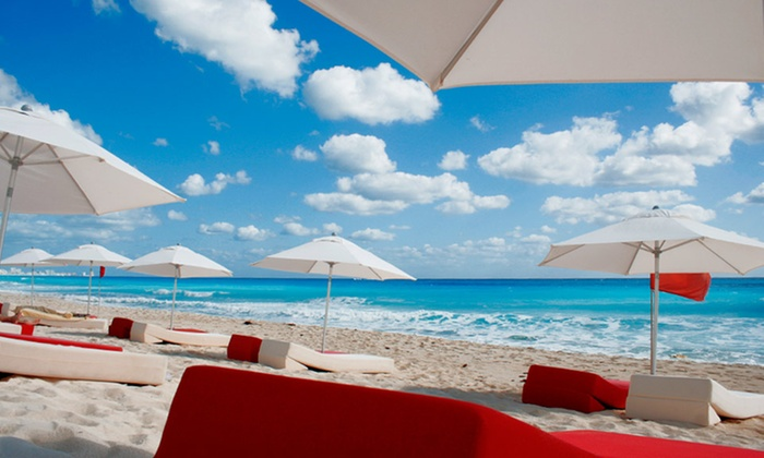 Beach Resort in Cancún with All-Inclusive Option