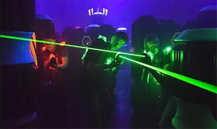 60 Min. Lasergame inkl. Ausrüstung und Getränk für 2, 4 oder 6 Personen bei Laser Tag Berlin (bis zu 50% sparen*)