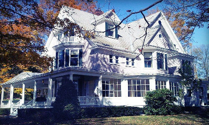 The Catskills B & B - Bellevue: Stay at The Catskills B & B in Stamford (Up to 60% Off). Three Options Available.