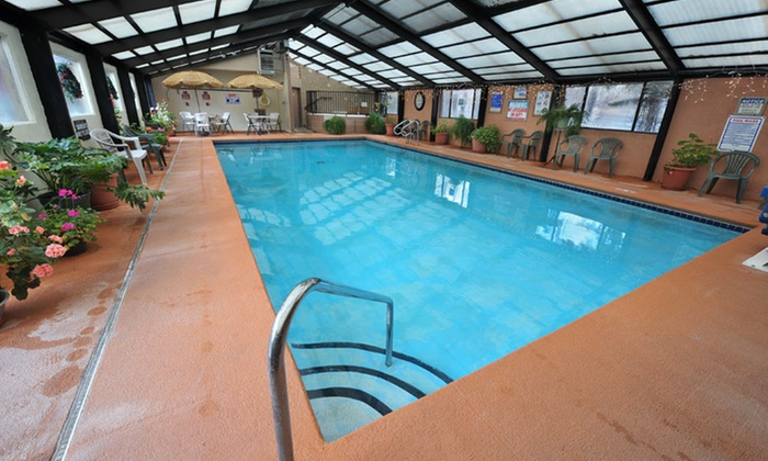 Pinecliff Village Resort - Ruidoso, NM: 2-Night Stay for Six in a Two-Bedroom Suite at Pinecliff Village Resort in Ruidoso, NM. Combine Up to 8 Nights.