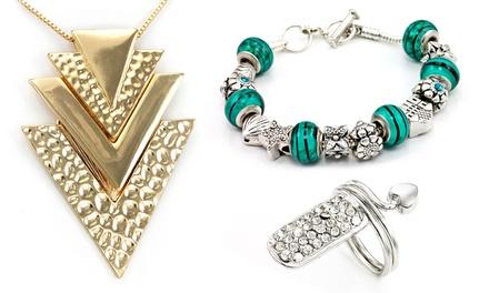 Sieraden versierd met kristallen verkrijgbaar in meerdere modellen en kleuren