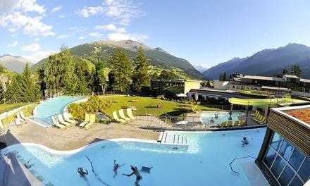 Tour di 2 giorni: bus A/R, Trenino del Bernina, 1 notte in mezza pensione e ingresso a Bormio Terme per 1 persona