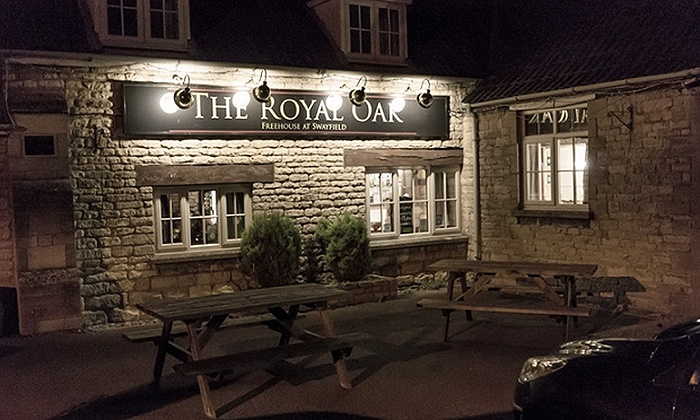 Royal Oak Swayfield - Grantham: Lincolnshire: 1 to 3 Nights for Two with Breakfast at The Royal Oak at Swayfield