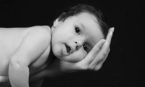 סטודיו במושב: סשן צילומי הריון ומשפחה ב-99 ₪ או סשן הכולל גם 10 תמונות מעובדות ב-149 ₪ בלבד! תקף גם בימי שישי וערבי חג