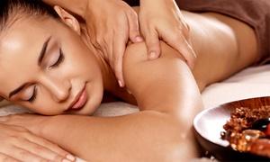 Lailen Costanzo: Desde $229 por 1 o 2 sesiones de masajes descontracturantes y relajantes con reflexología en Lailen Costanzo