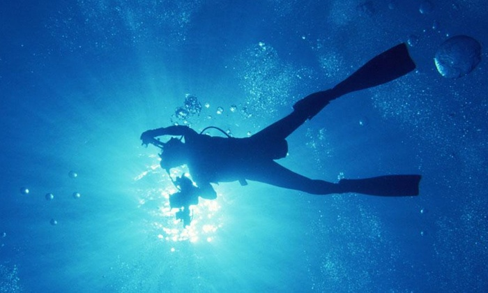 RC Scuba Center - Rialto: Four- or Six-Day PADI Open Water Course with Catalina Weekend from RC Scuba Center (67% Off). Three Options Available.