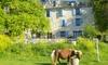 La Ferme Saint Pierre - Bargème: Bargème : 2 à 7 nuits en cabane, tipi, yourte ou roulotte avec balade en lama optionnel à la Ferme St Pierre pour 2 pers