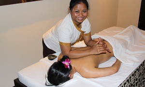 Health Land Frankfurt: Aromaöl-, traditionelle Thai- oder Signature-Massage für 1 oder 2 Personen bei Healthland Thaimassage & Spa ab 39 €