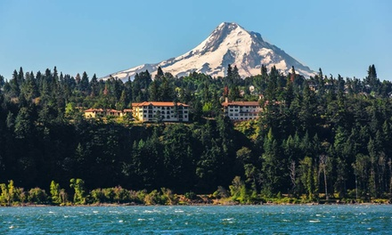 Stay at Columbia Cliff Villas in Hood River, OR. Dates Available into April.