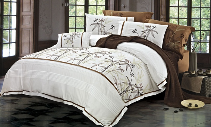 Egyptian-Cotton Duvet-Cover Sets: Egyptian-Cotton Duvet-Cover Set (Up to 57% Off). Multiple Options Available. Free Shipping and Returns.