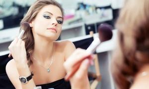 Makeover Lab: Desde $319 por curso de automaquillaje de 4 clases para uno o dos en Makeover Lab