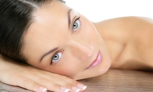 Ana Jurado: 1 o 3 sesiones de higiene facial con tratamiento de colágeno y diseño de cejas desde 12,95 €