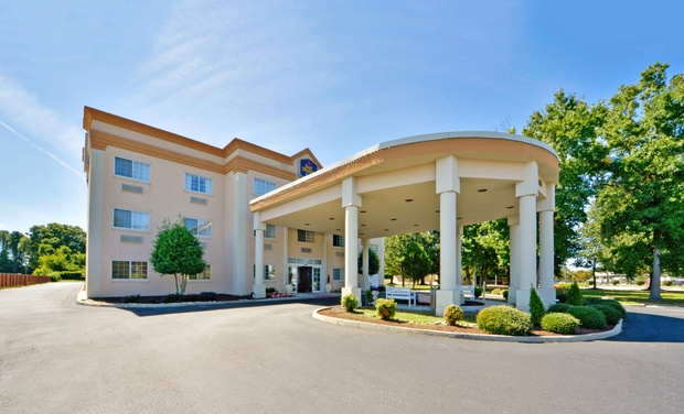 Best Western Plus Newport News Inn and Suites - Newport News, VA: Stay at Best Western Plus Newport News Inn and Suites in Newport News, VA, with Dates into November