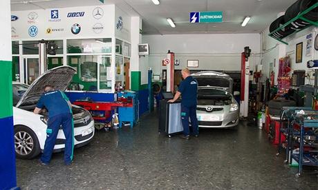 Cambio de aceite y filtro con revisión pre-ITV y opción a cambio de filtro de aire desde 34,95 € en Talleres Reyes