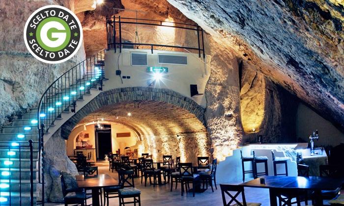 Ritual Caffe' - Cagliari: Menu con antipasto, primo, tagliata argentina, dolce e vino da 39,90 €